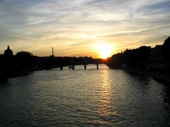 030821セーヌ川くだり-paris0179.JPG