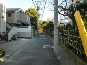 110102目黒散歩_38田道小の裏道-よく通った.JPG