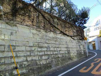 110102目黒散歩_41ピンポンダッシュ - Wikipediaピンポンダッシュ被害者のの家々.JPG