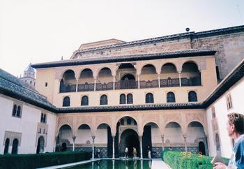 5-3グラナダ-アルハンブラ宮殿アラヤネスの中庭_0001.jpg
