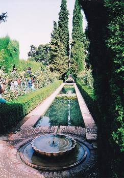 5-3グラナダ-アルハンブラ宮殿ヘネラリフェ庭園_0001.jpg