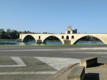 110821アヴィニヨン_006サンベネゼ橋.JPG