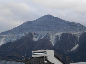 DSC07744秩父夜祭-武甲山.JPG